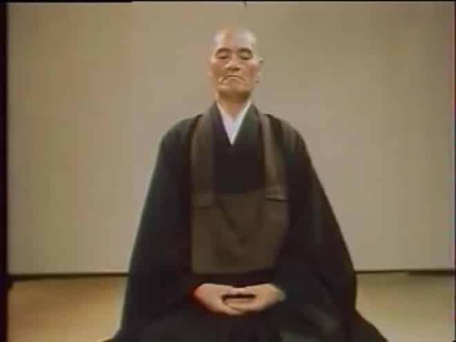 taisendeshimaru_sitting_smaller