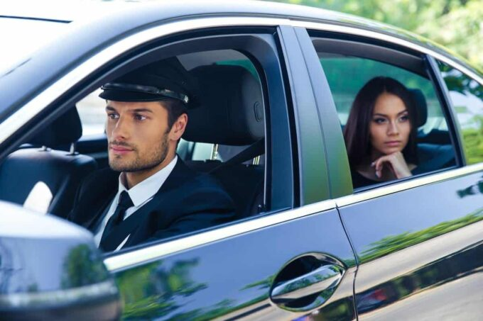 5 Benefits Of Using Professional Chauffeur Service