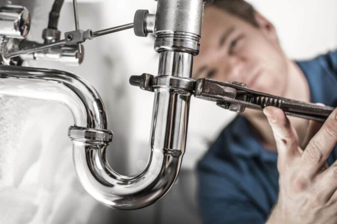 How to Know if Your Plumber is Overcharging You
